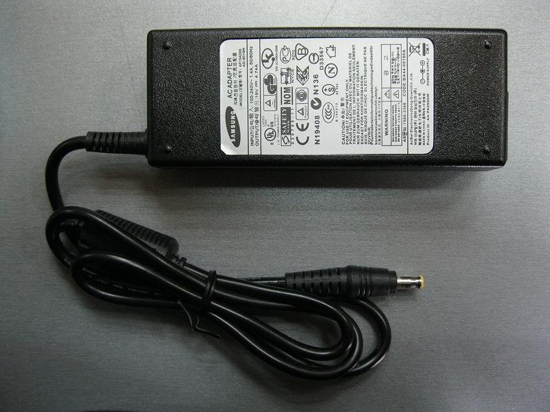 Зарядное устройство для ноутбука SAMSUNG разъем: 5.5*3.0